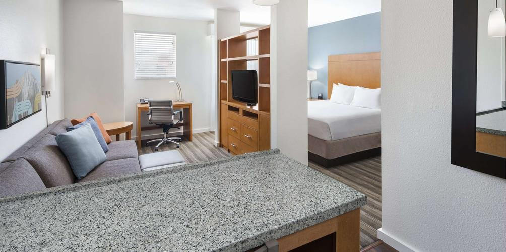 Hyatt Place Dallas / The Colony 7