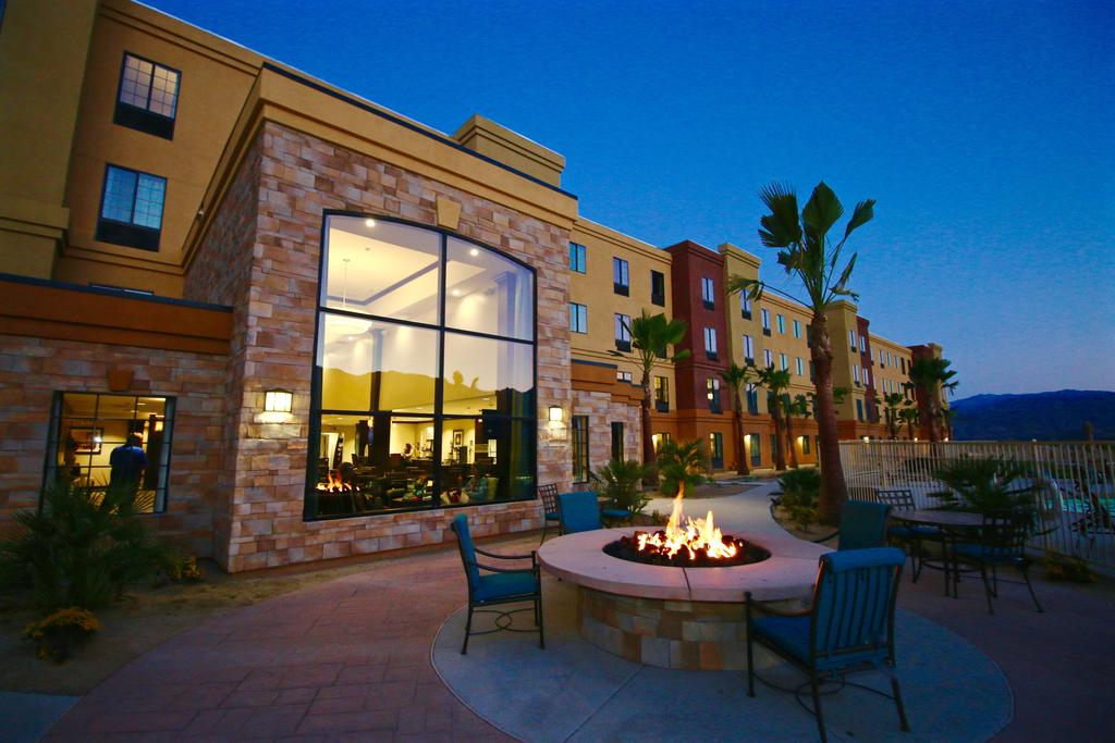 Staybridge Suites Cathedral City 10
