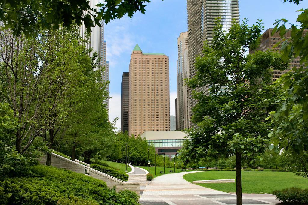 Fairmont Chicago at Millennium Park 8