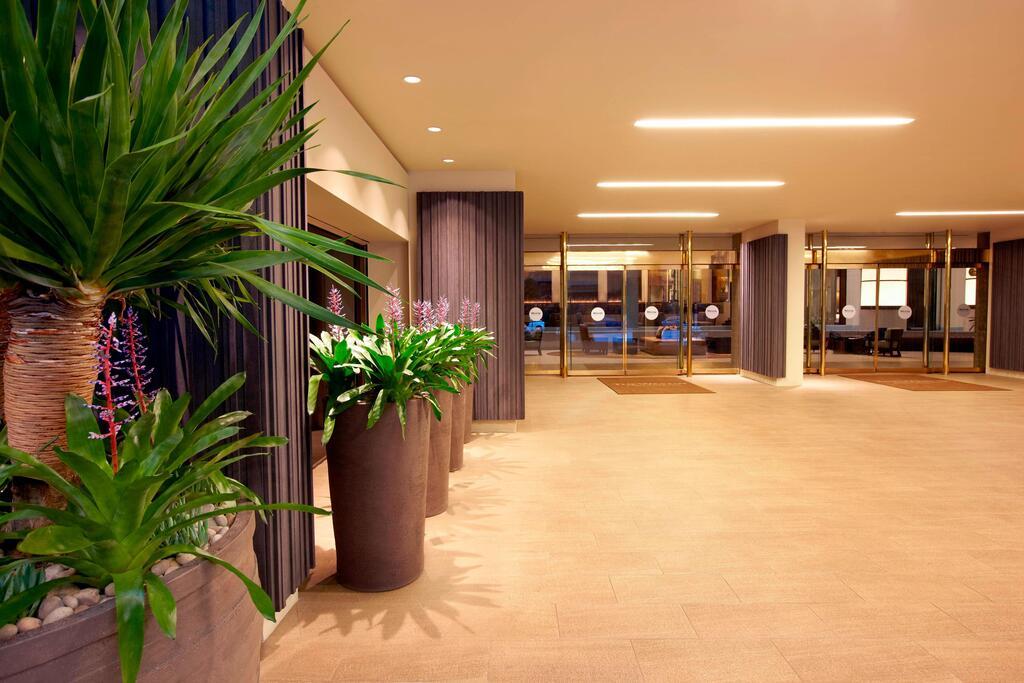 The Westin Bonaventure Hotel & Suites, Los Angeles 2