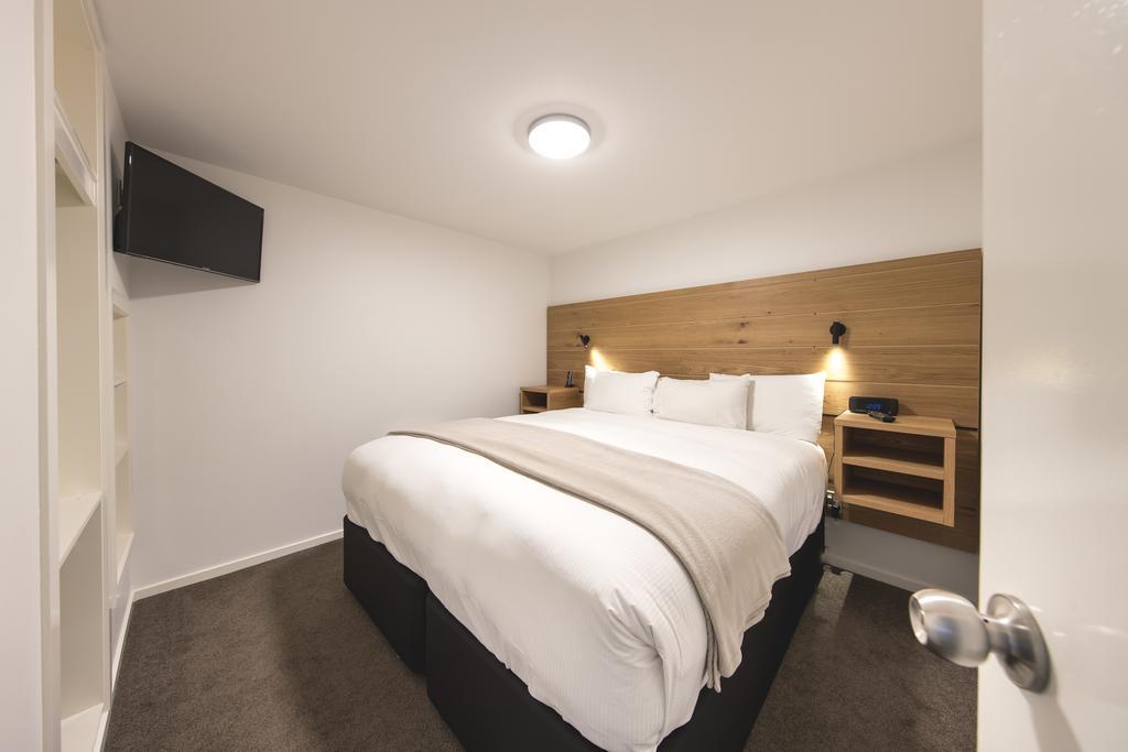 Lomond Lodge Motel & Apartments 11