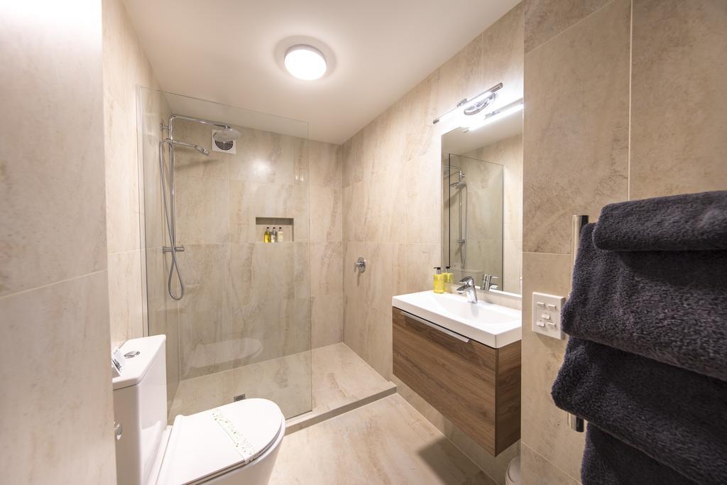 Lomond Lodge Motel & Apartments 9