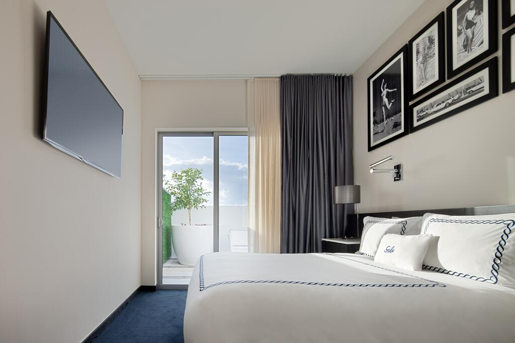 Gale South Beach, Curio Collection by Hilton 10