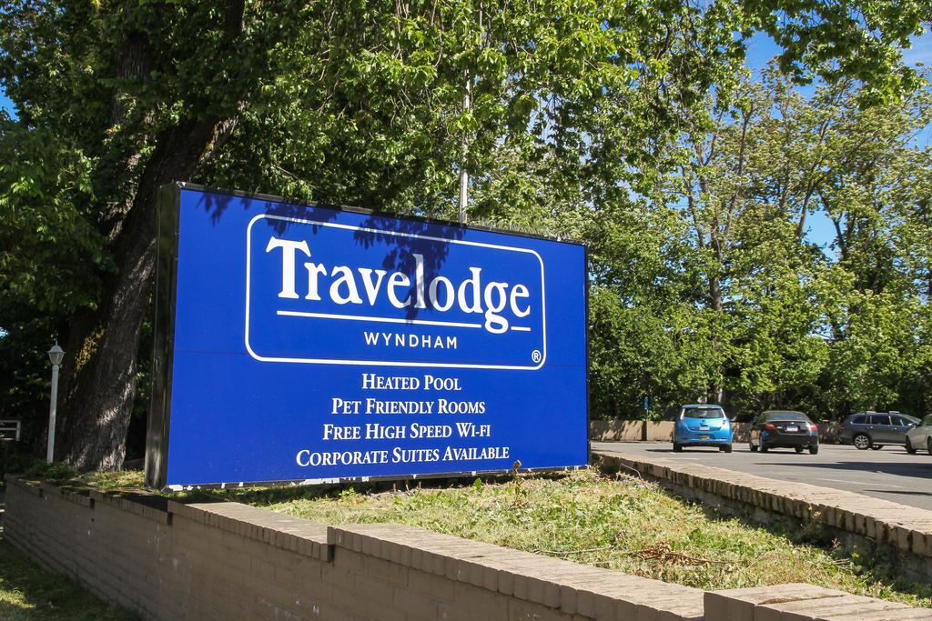 Travelodge by Wyndham Victoria 3