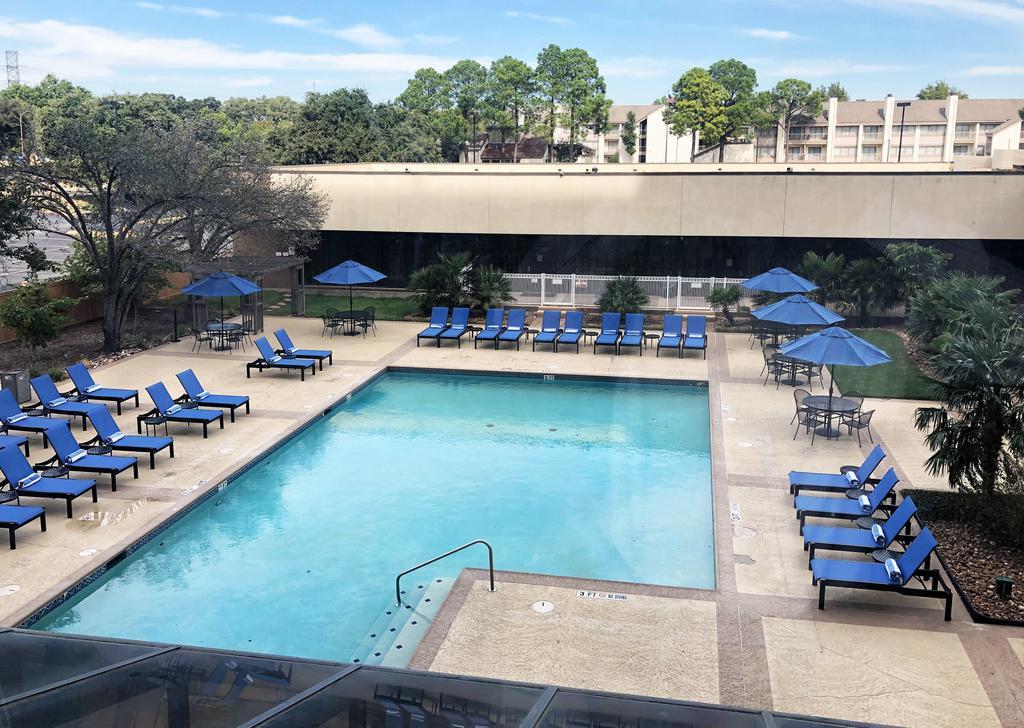 Hilton Arlington 8