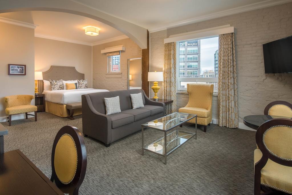 Mark Spencer Hotel 4