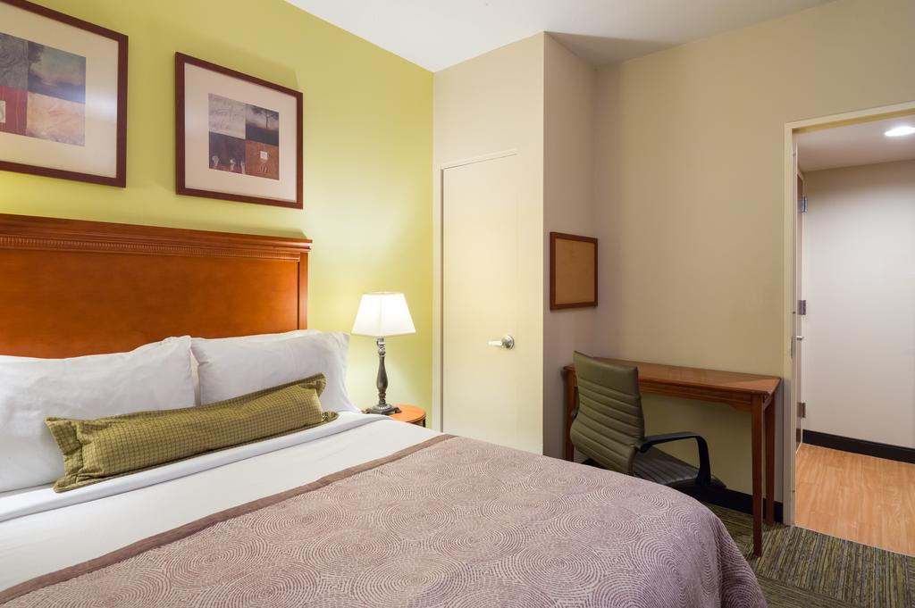 Candlewood Suites NYC -Times Square 10