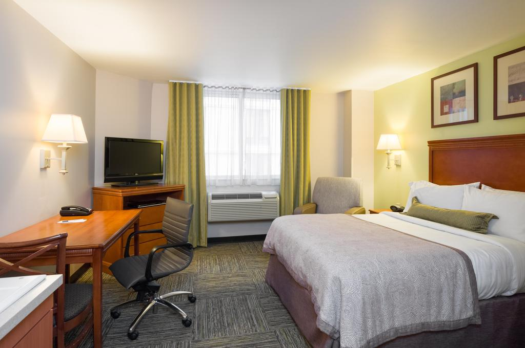 Candlewood Suites NYC -Times Square 4