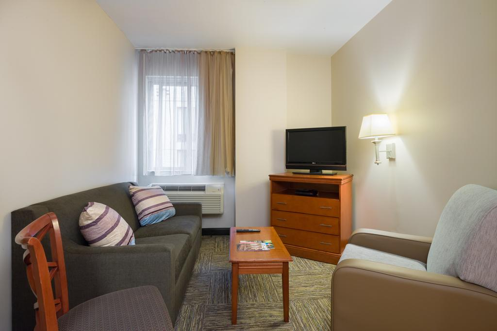 Candlewood Suites NYC -Times Square 8