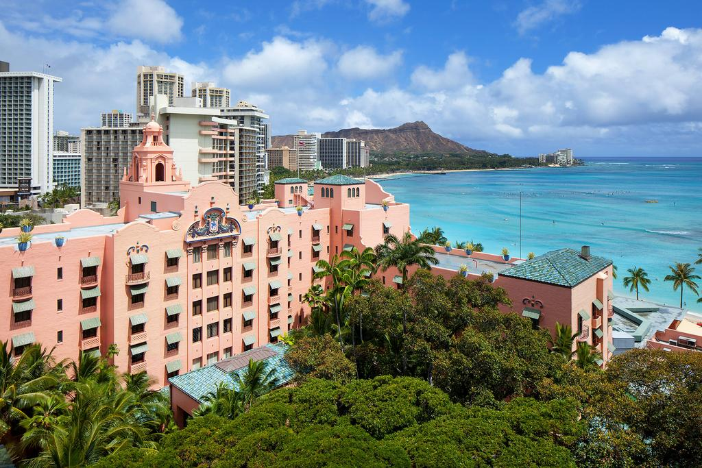 The Royal Hawaiian, a Luxury Collection Resort 1