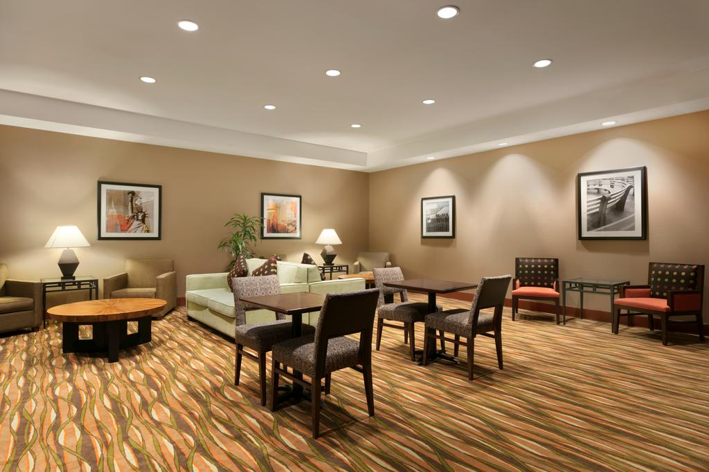 Hampton Inn New York 3