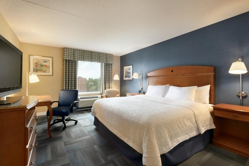 Hampton Inn New York 8