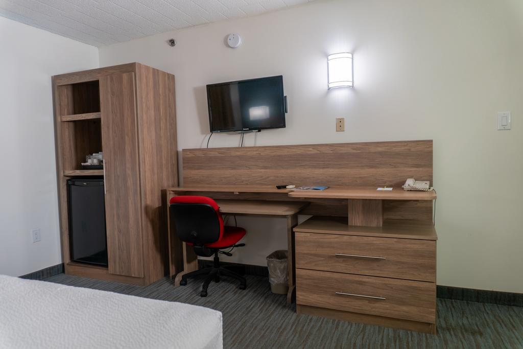 Days Inn & Suites by Wyndham Niagara Falls Centre St. By the Falls, Niagara Falls 6