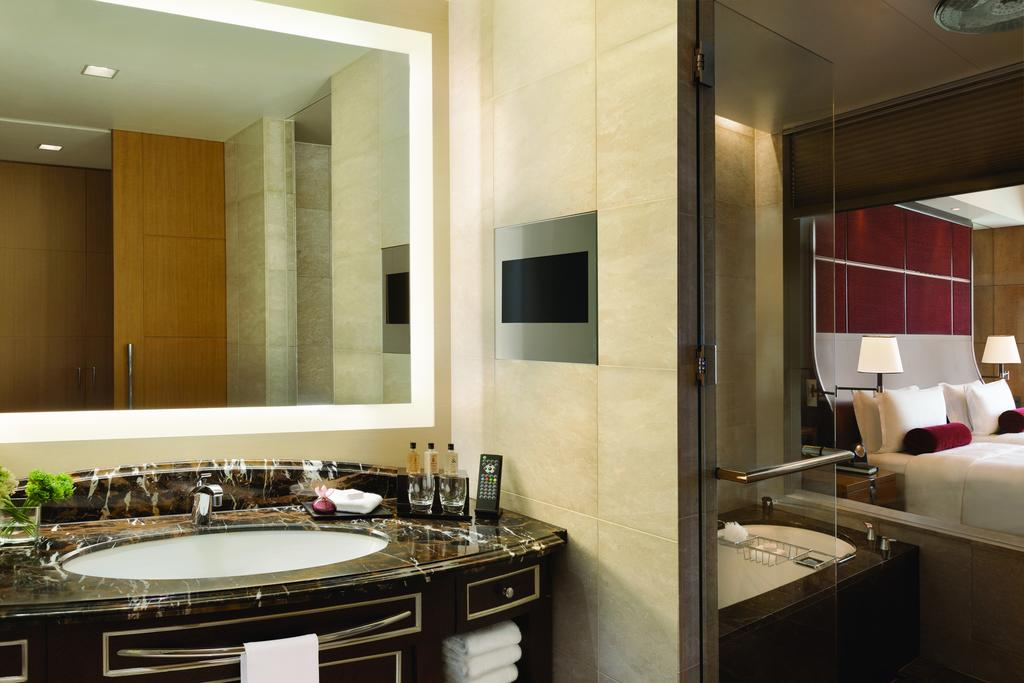 Shangri-La Hotel 8