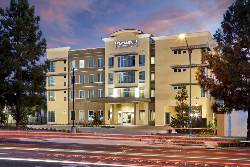 Staybridge Suites Anaheim At The Park 2