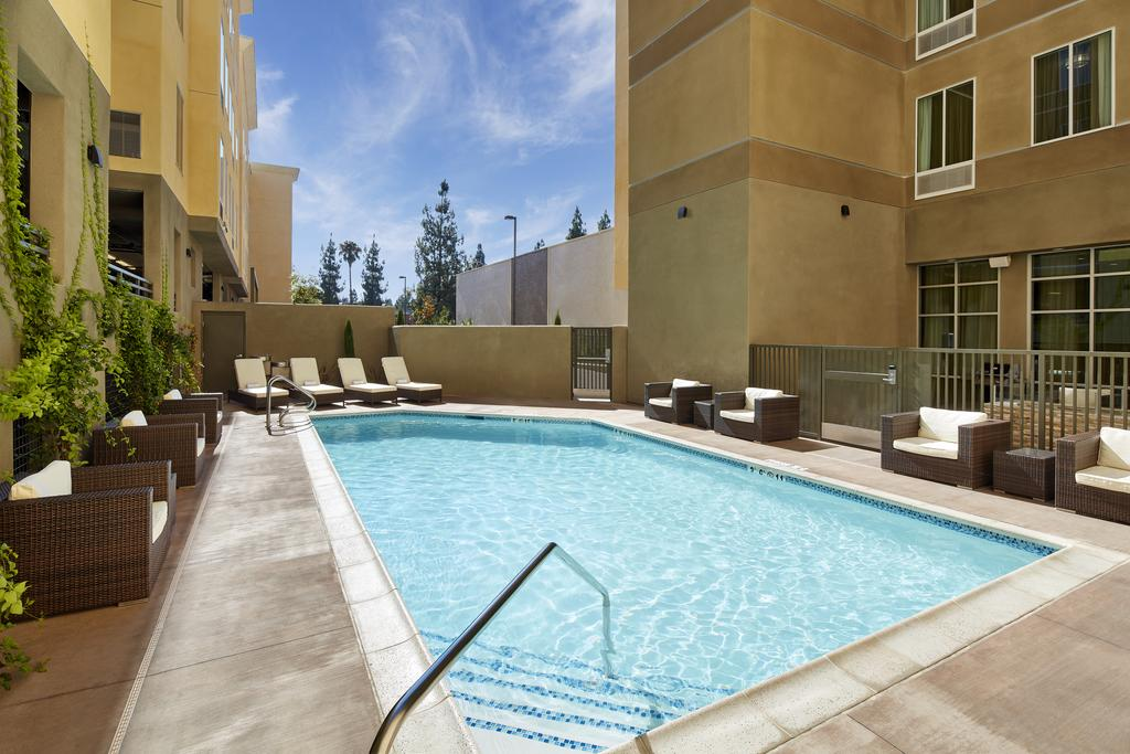 Staybridge Suites Anaheim At The Park 9
