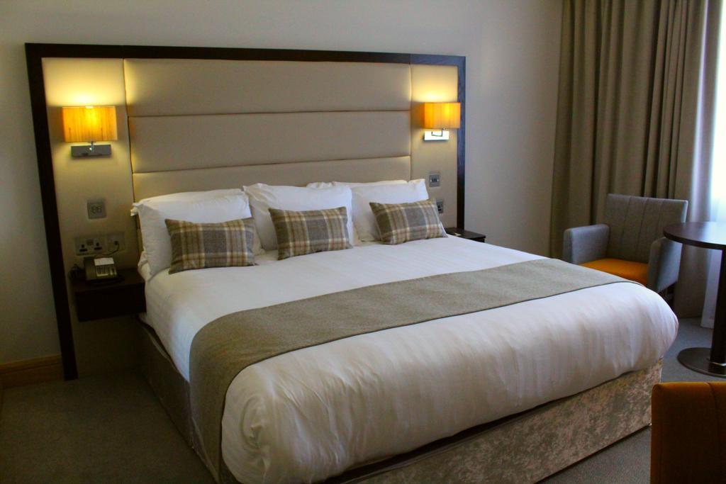 Menlo Park Hotel 3
