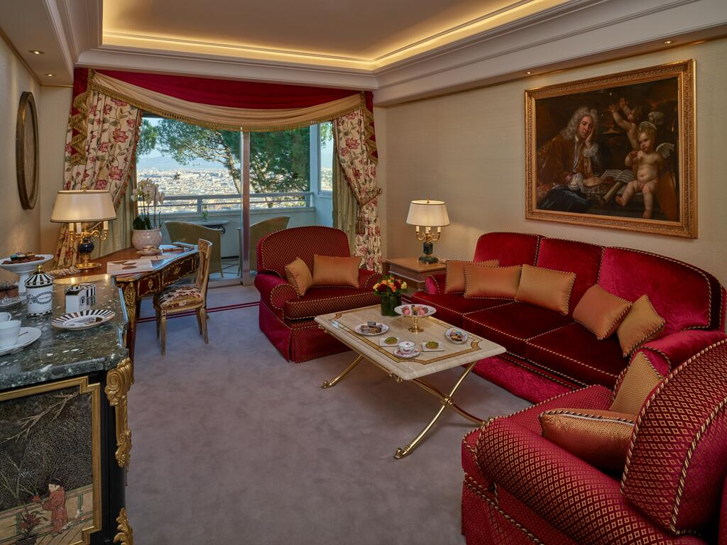 Rome Cavalieri, A Waldorf Astoria Hotel 5