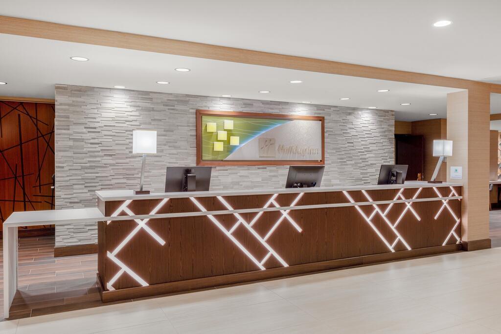 Holiday Inn la Mirada 6