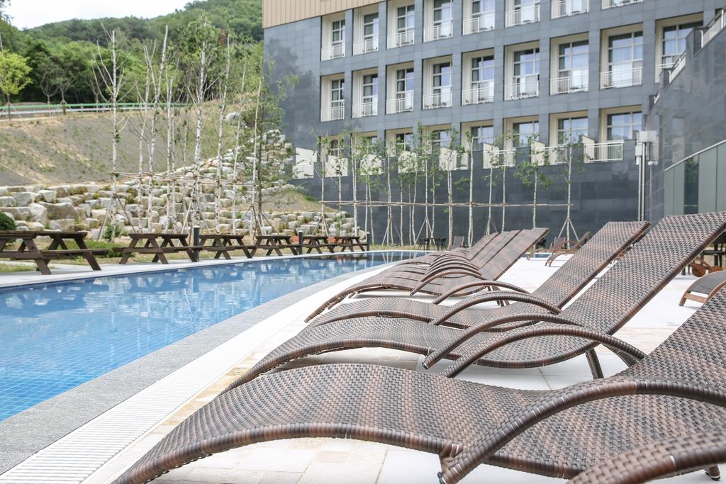 Ramada Hotel & Suites by Wyndham Gangwon Pyeongchang, Pyeongchang 10