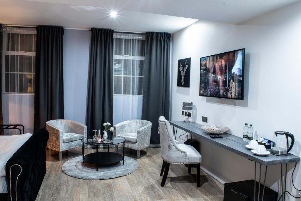 The Villare Hotel, Leicester 5