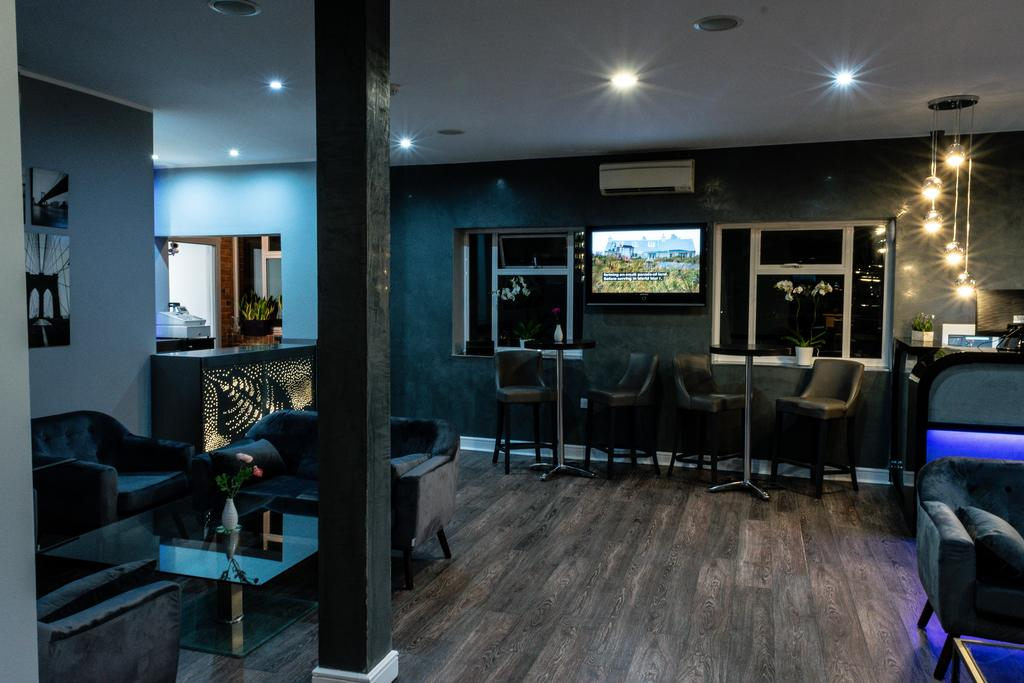 The Villare Hotel, Leicester 6