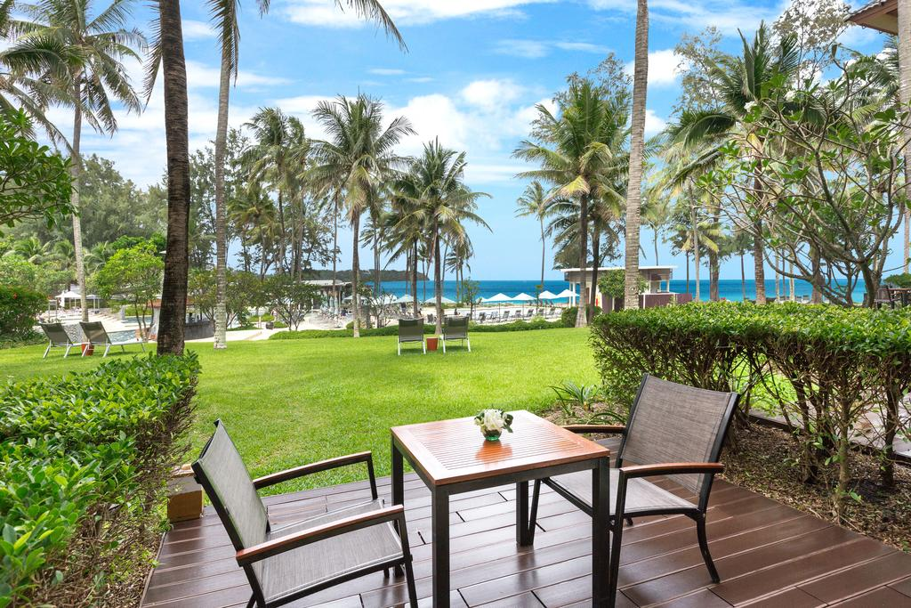 Outrigger Phuket Beach Resort 11