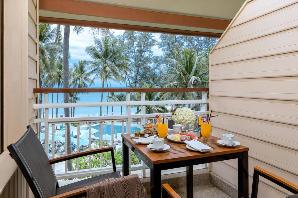 Outrigger Phuket Beach Resort 5