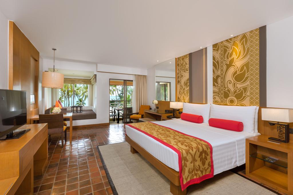 Outrigger Phuket Beach Resort 6