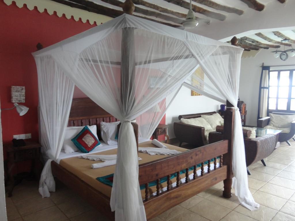 Langi Langi Beach Bungalows 11