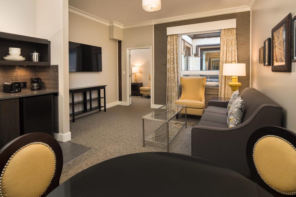 Mark Spencer Hotel 3