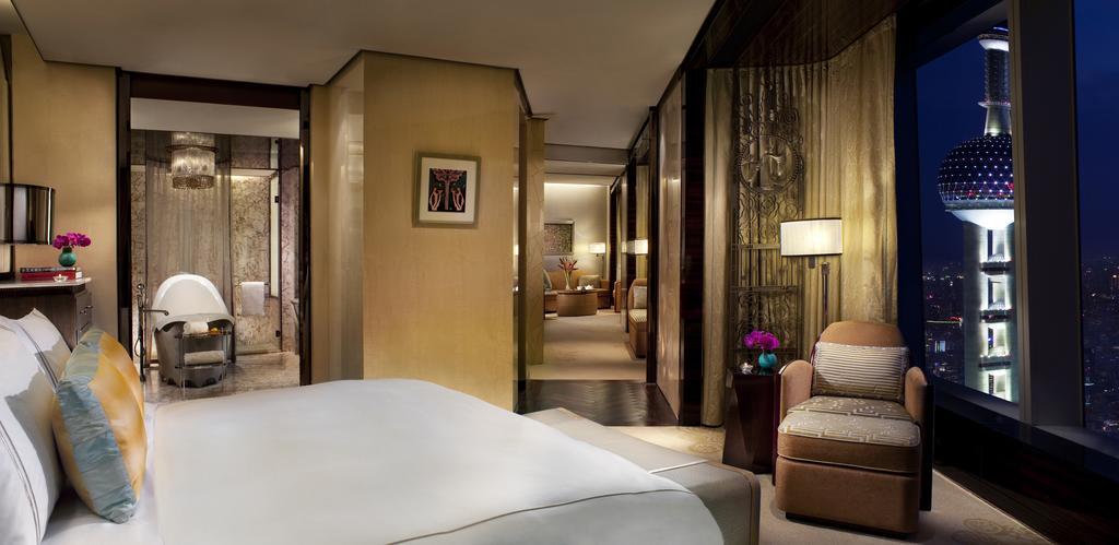 The Ritz-Carlton Shanghai, Pudong 2