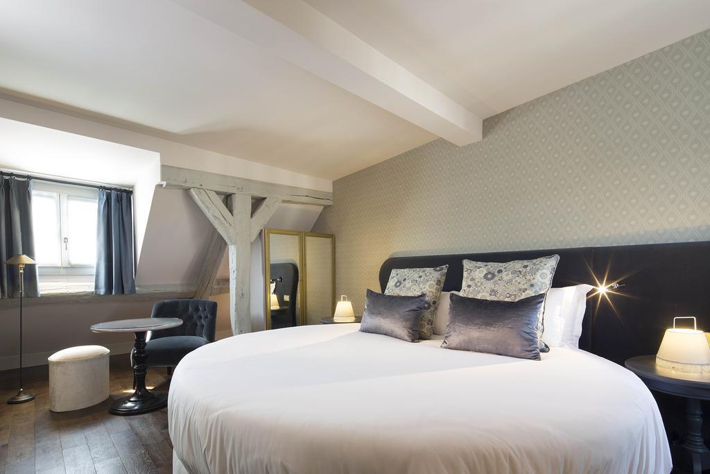 Les Plumes hotel paris 9