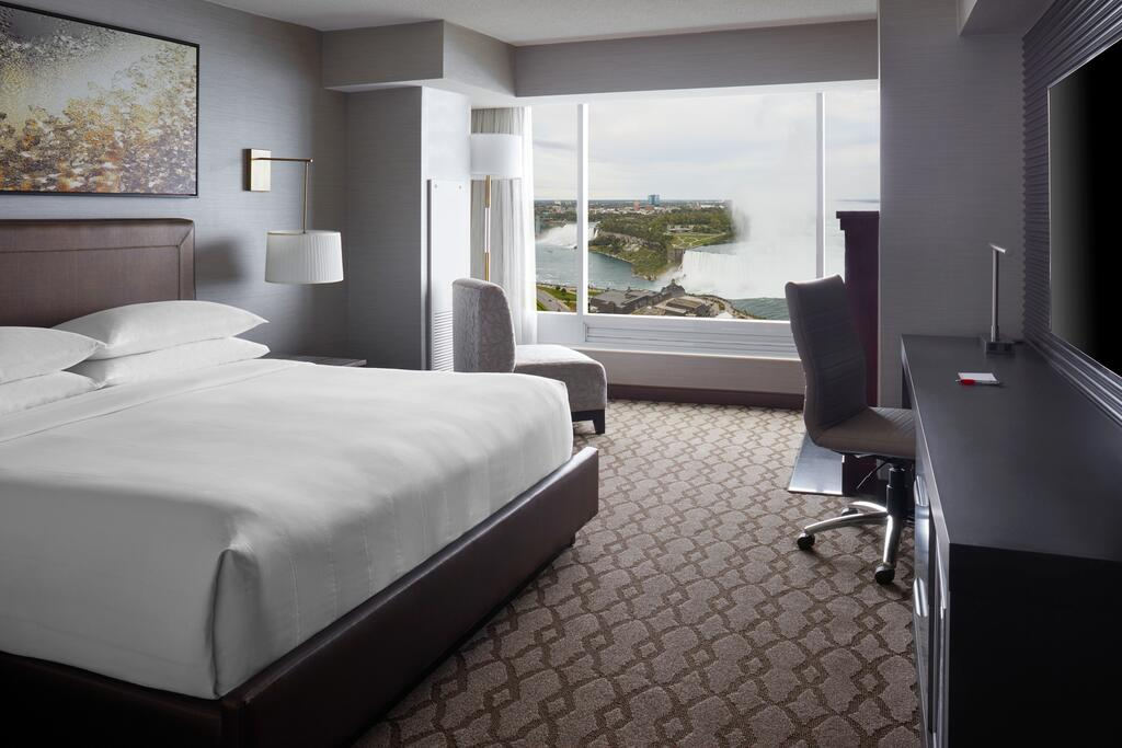 Marriot Niagara Falls Fallsview Hotel & Spa 12