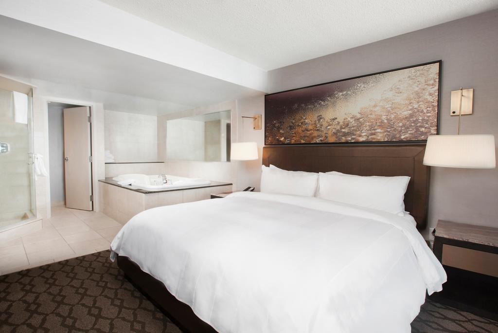 Marriot Niagara Falls Fallsview Hotel & Spa 2