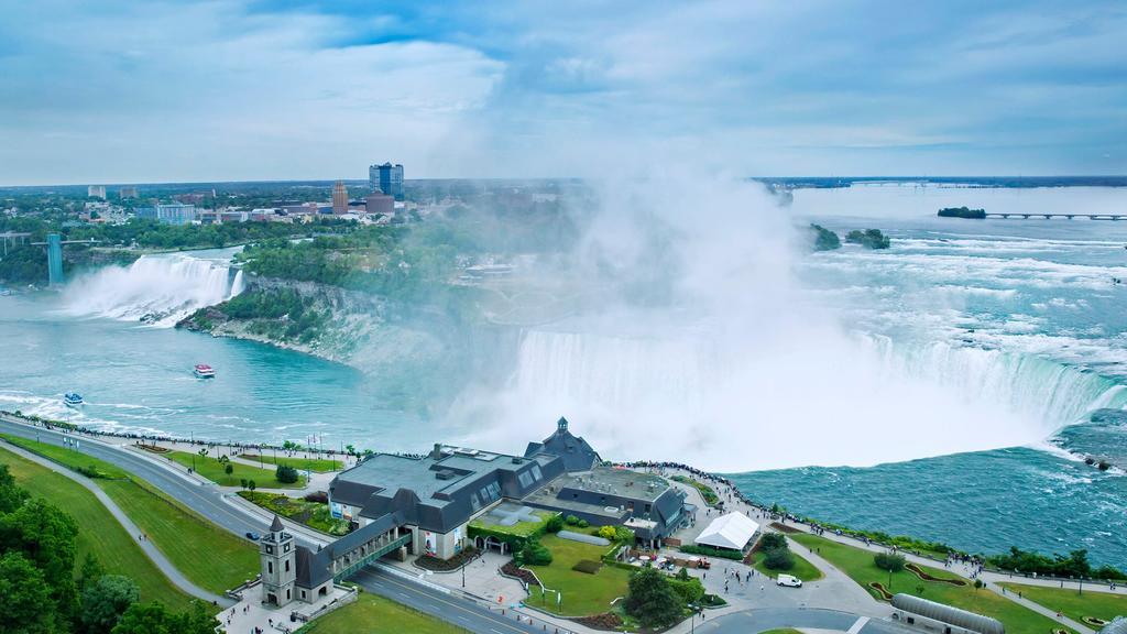 Marriot Niagara Falls Fallsview Hotel & Spa 3