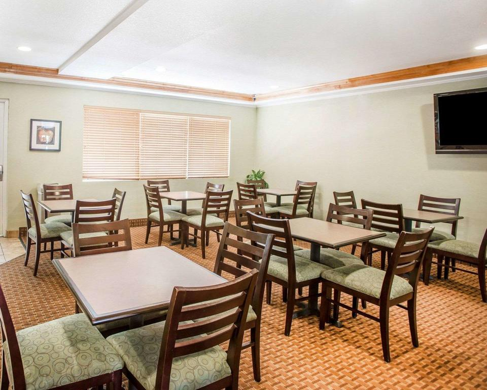 WoodSpring Suites Aurora Denver Airport 5