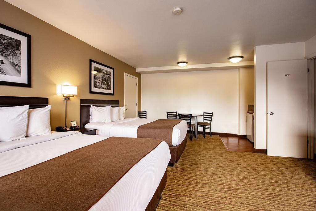 Americas Best Value Inn Villa Motel 10