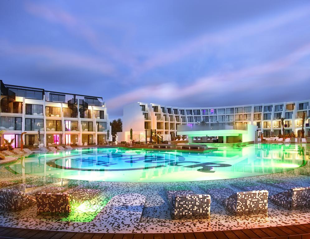 Hard Rock Hotel Ibiza 10