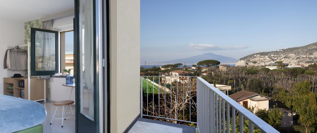 Unconventional Hotel Sorrento 7