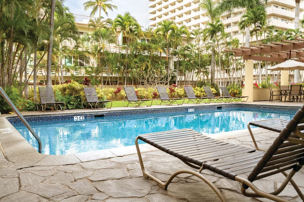 Wyndham Vacation Resorts Royal Garden at Waikiki 4