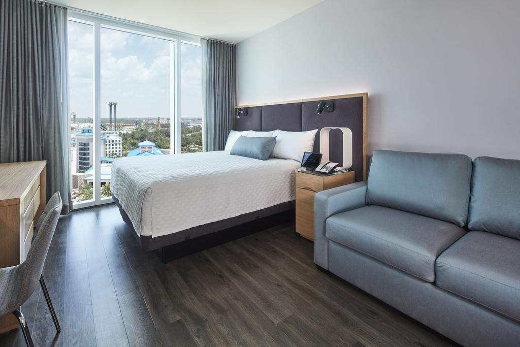 Universal's Aventura Hotel 3