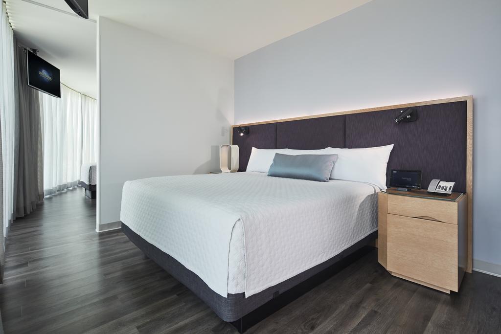 Universal's Aventura Hotel 5