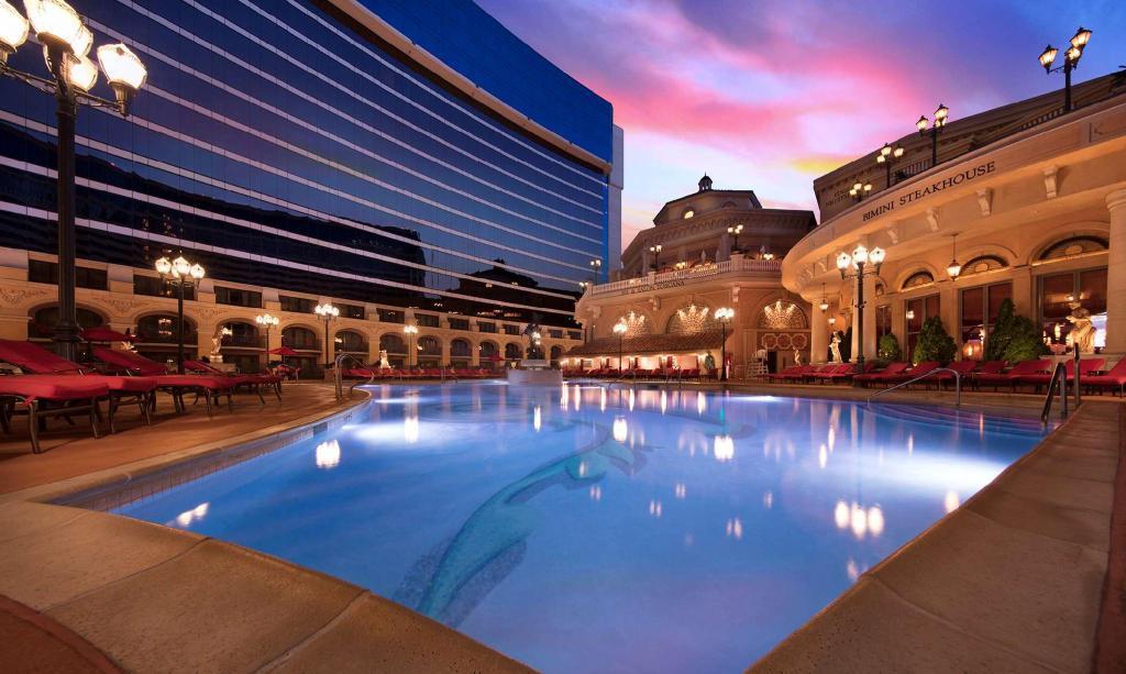 Peppermill Resort Spa Casino 12