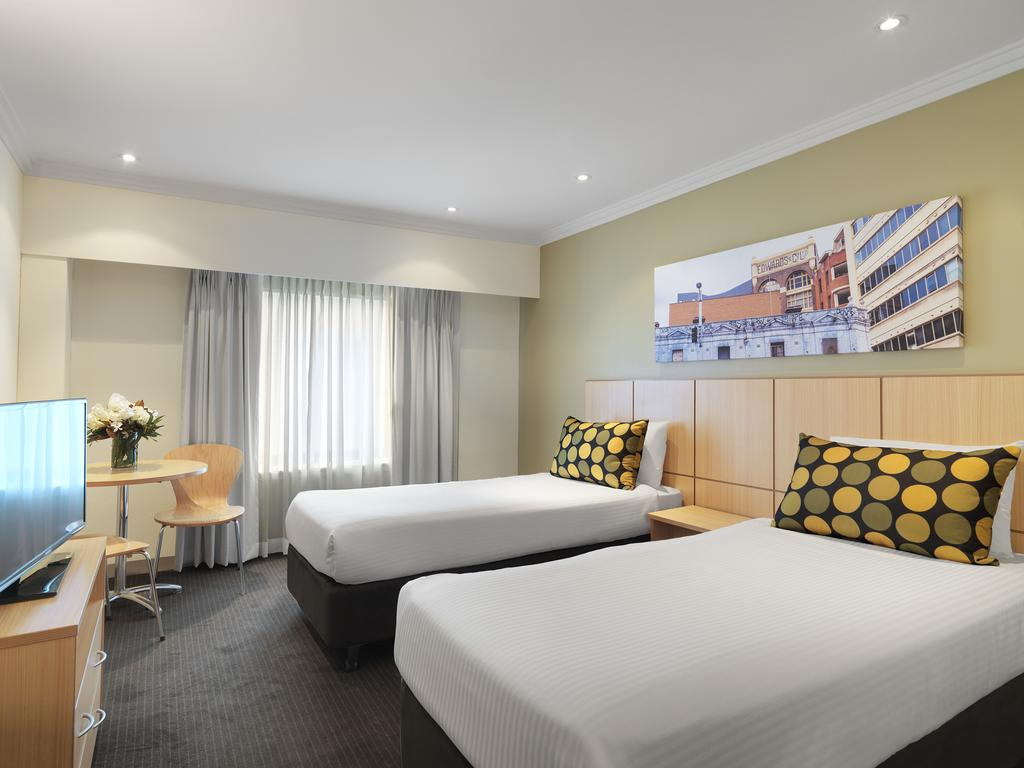Travelodge Hotel Sydney 10