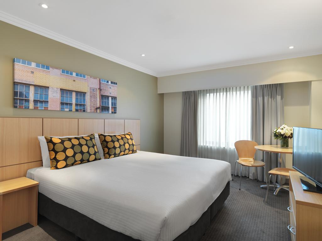 Travelodge Hotel Sydney 11