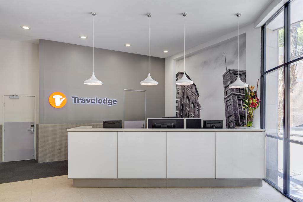 Travelodge Hotel Sydney 2