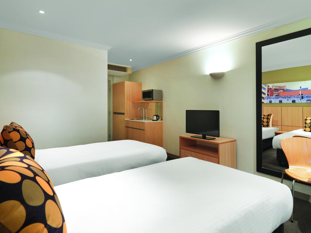 Travelodge Hotel Sydney 4