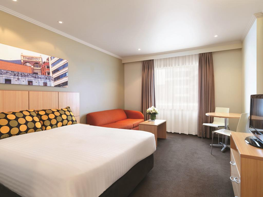 Travelodge Hotel Sydney 6