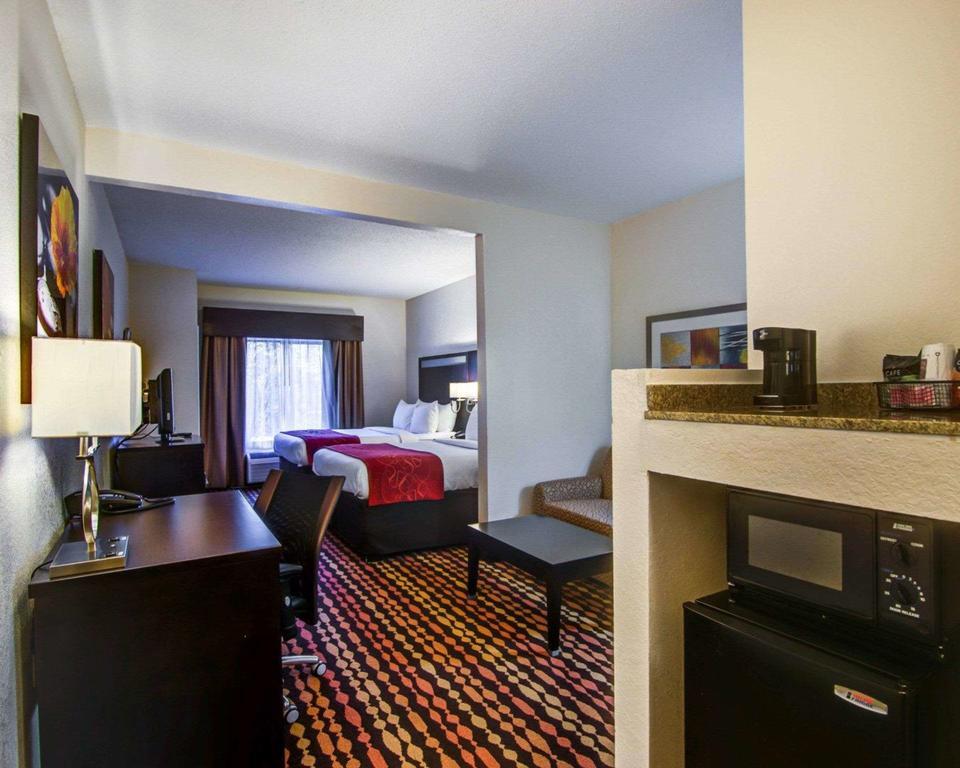Comfort Suites 5